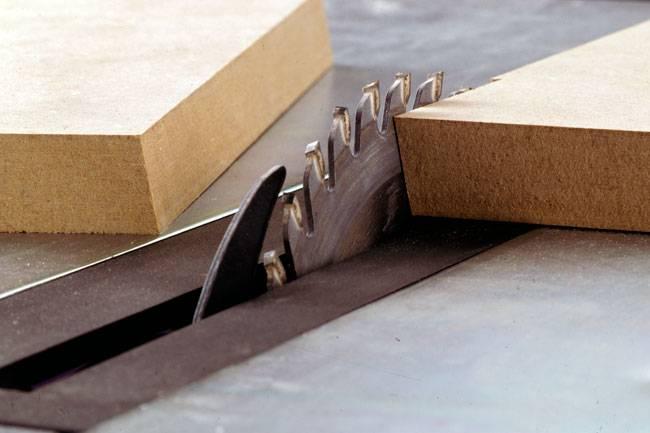 Taglio legno su misura